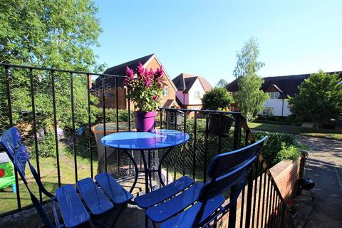 1 bedroom flat for sale - The Green, Aston Abbotts