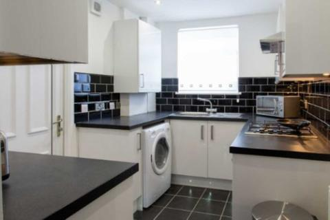 4 bedroom house share to rent - Mildred Street Salford