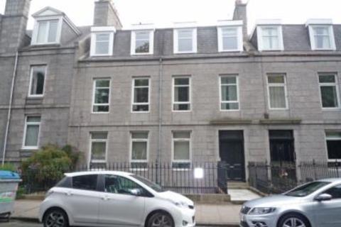 3 bedroom flat to rent - 4 Esslemont Avenue, Top Floor, AB25