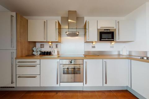 2 bedroom flat for sale - Proton Tower, London, E14
