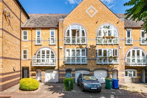 4 bedroom terraced house for sale - Eleanor Close, London, SE16