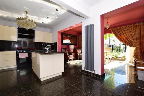 3 bedroom semi-detached house for sale - Greenside, Maidstone, Kent
