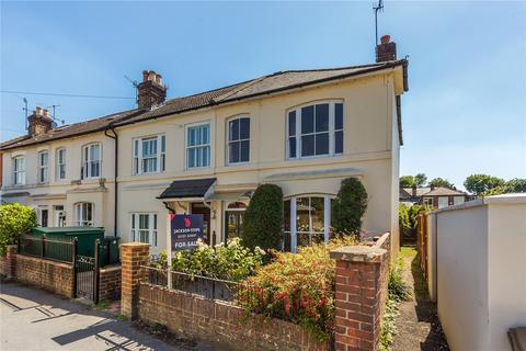 2 bedroom end of terrace house for sale - Warren Road, Reigate, Surrey, RH2