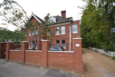 2 bedroom apartment for sale - St. Georges Avenue, Weybridge, KT13
