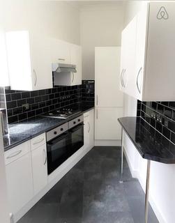 11 bedroom flat - East India Dock Road, E14