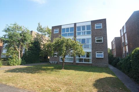Property to rent - The Park, Sidcup