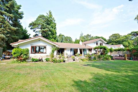 6 bedroom house for sale - Broadstone