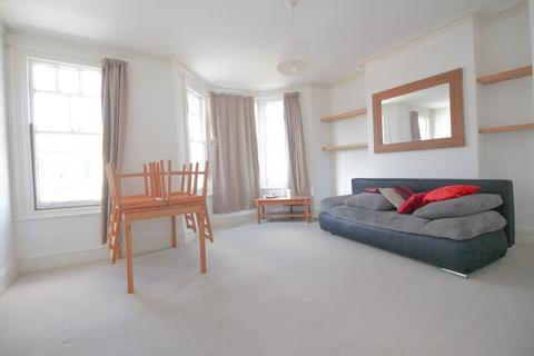 2 bedroom flat to rent - Frobisher Road, Haringey, N8