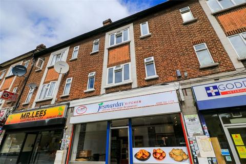 3 bedroom flat to rent - Central Parade, Green Street, Enfield, Middx.