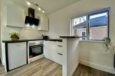 Studio to rent - North Road East, Plymouth