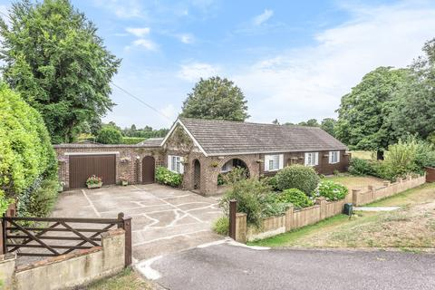 4 bedroom detached bungalow for sale - Ashford Road, Maidstone