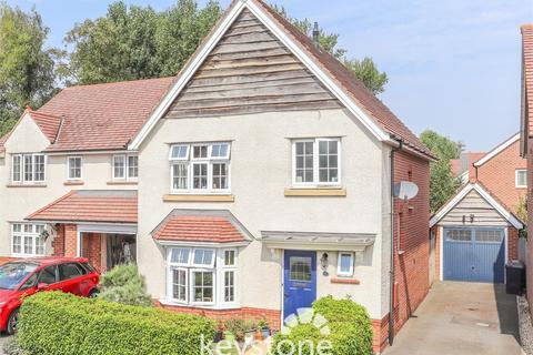 3 bedroom detached house for sale - Lon Butterley, Buckley, Flintshire. CH7 3GA
