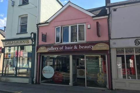 Retail property (high street) to rent - Two Story Retail / Showroom premises, 57a Nolton Street, Bridgend, CF31 3AE