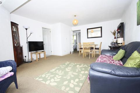 2 bedroom flat to rent - Harlinger Street , London, SE18 5SS