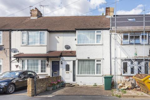 3 bedroom terraced house for sale - Cranford Avenue, Stanwell, TW19