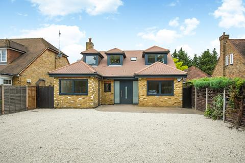 4 bedroom detached bungalow for sale - Charville Lane, Hayes