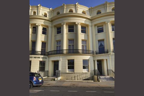 1 bedroom flat for sale - Brunswick Square, Hove, BN3