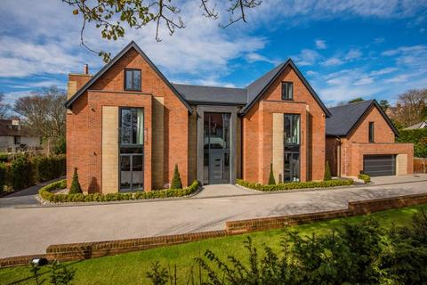 6 bedroom detached house for sale - Granville Park, Aughton