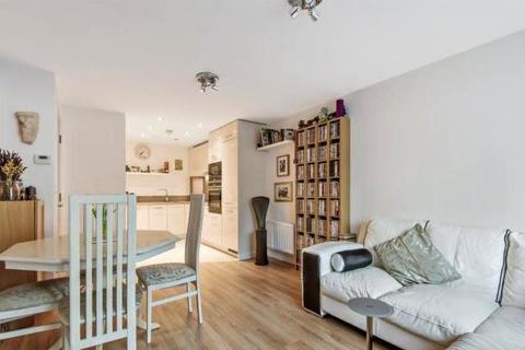 1 bedroom flat - Ryewood , Dunton Green , Kent