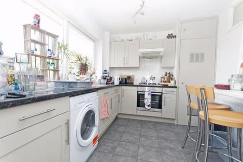 2 bedroom apartment to rent - Grange Gardens, Southgate London
