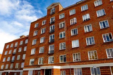 3 bedroom apartment for sale - Vermont Road, Wandsworth