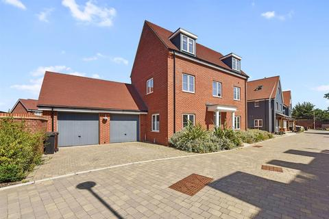 4 bedroom house for sale - Robert Finch Crescent, Chelmsford