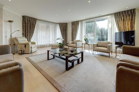 3 bedroom apartment for sale - West Heath Place, NW11