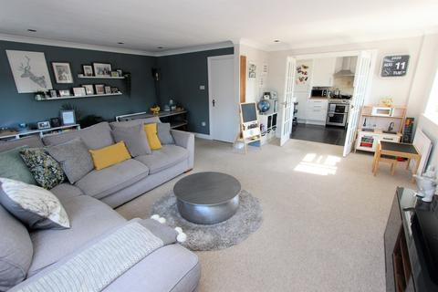 2 bedroom flat for sale - St Edmunds Road, Shirley, Southampton, SO16