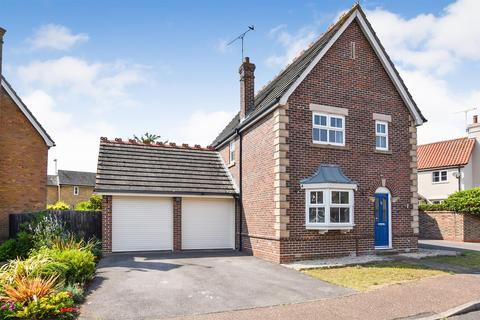 3 bedroom detached house for sale - Penshurst Drive, South Woodham Ferrers
