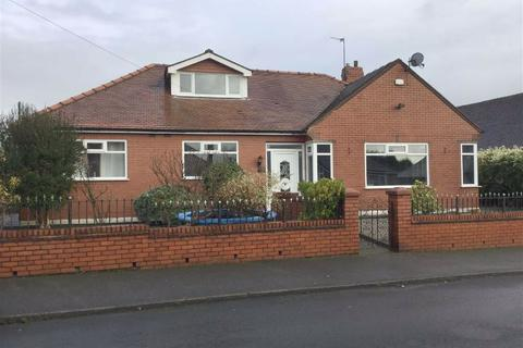 3 bedroom detached bungalow for sale - Wynne Grove, Denton, Manchester, M34