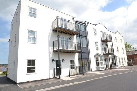 2 bedroom apartment for sale - Railway Court, Monmouth Road, Pill
