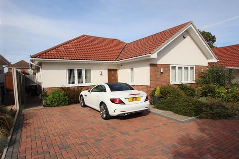 3 bedroom detached bungalow for sale - Parley Mews, Bournemouth