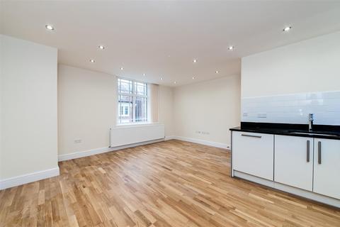 2 bedroom flat to rent - Tooting High Street London