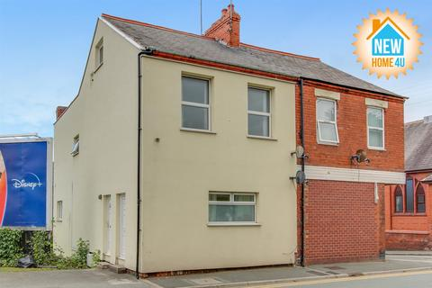 2 bedroom apartment for sale - High Street, Connah's Quay, Deeside