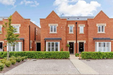 3 bedroom townhouse for sale - Danbury Palace Drive, Danbury, Chelmsford