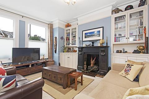 2 bedroom flat to rent - Nevis Road, SW17