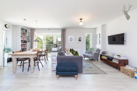 3 bedroom apartment for sale - St. Clements Avenue, London
