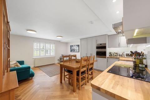 3 bedroom maisonette for sale - Mandrell Road, SW2