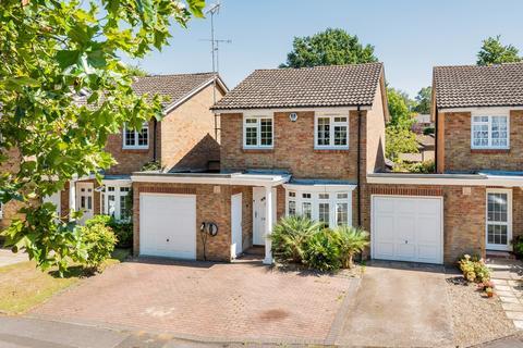 5 bedroom house for sale - Marlborough Drive, Weybridge, KT13