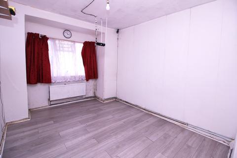 1 bedroom maisonette for sale -  Hammond Road,  Southall, UB2