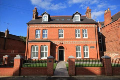 2 bedroom apartment to rent - Castle Crescent,  Reading,  RG1