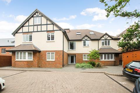 3 bedroom apartment for sale - Gospel Oak House, Swakeleys Road, Ickenham, UB10