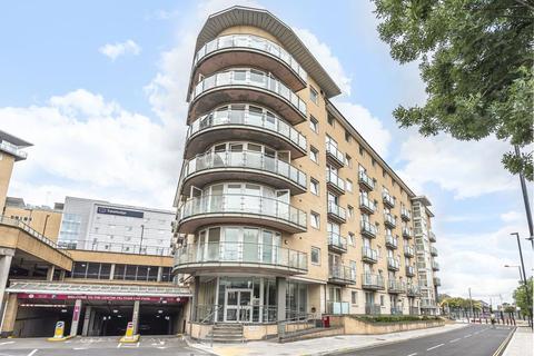 1 bedroom flat - Bergenia House,  Feltham,  TW13