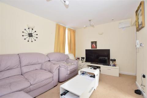 2 bedroom flat for sale - Richmond Street, Sheerness, Kent