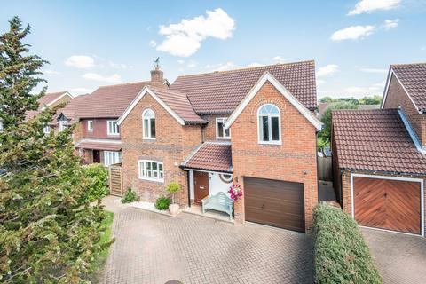 4 bedroom detached house for sale - Staniland Drive, Weybridge, KT13