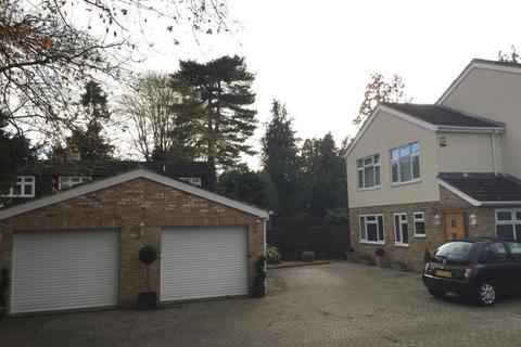 6 bedroom detached house to rent - Maidenhead, Berkshire, SL6