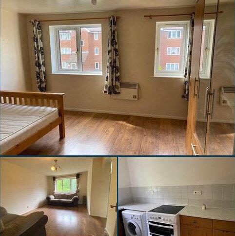 2 bedroom flat to rent - Thornbury road , Isleworth  TW7