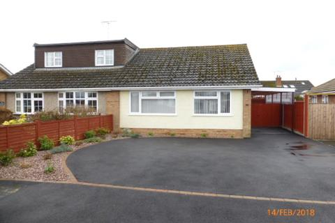 2 bedroom semi-detached bungalow to rent - Hardy Road