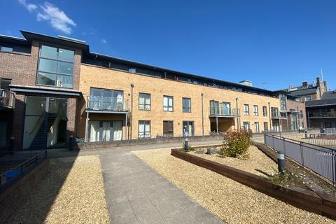 2 bedroom flat to rent - Kings House, Heritage Plaza, Firefly Ave, Swindon, SN2