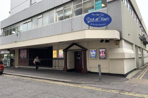 Restaurant to rent - Warrior Square, Southend-On-Sea, Essex, SS1